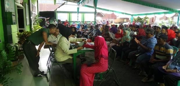 TNI Beri Pengobatan Gratis Terhadap 3.120 Warga Ternate