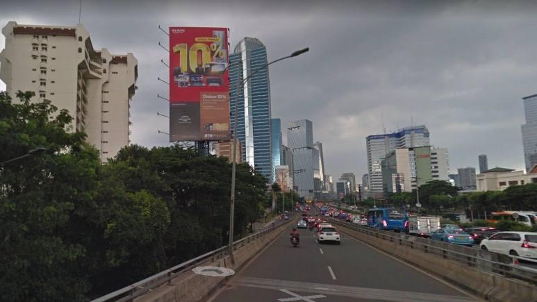 Gila! Hanya 4 Titik Reklame Berizin di Jalan Gatot Subroto dan MT Haryono