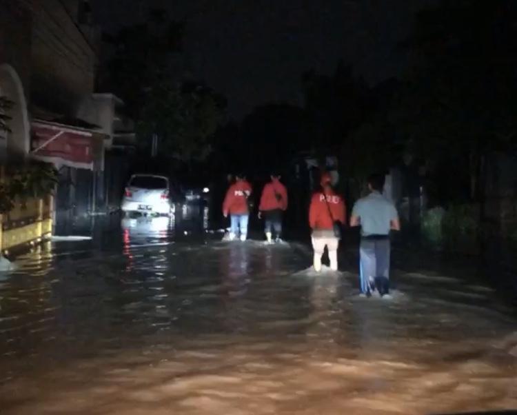 Warga Terdampak Banjir di Serpong Utara Butuh Obat dan Makanan