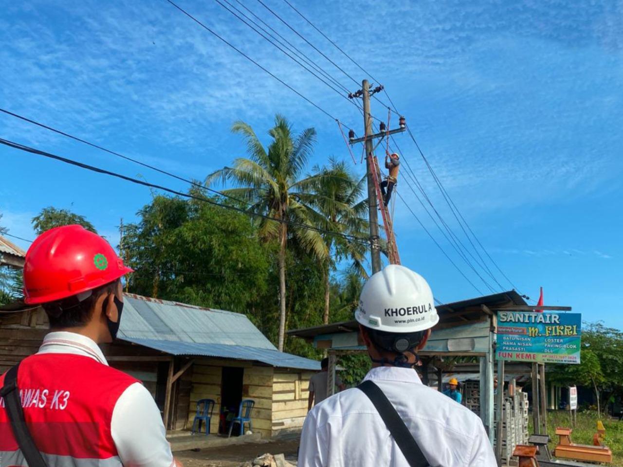 Pulihkan Dampak Gempa, PLN Bengkulu Langsung Perbaiki Kerusakan