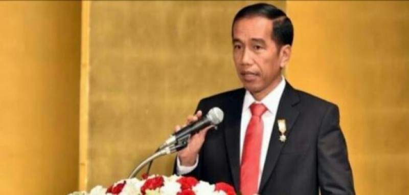 Jokowi diberi Kartu Kuning oleh Ketua BEM UI