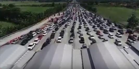 One Way Akan diterapkan Atasi Kemacetan Arus Balik Mudik 2019 di Gerbang Tol Palimanan
