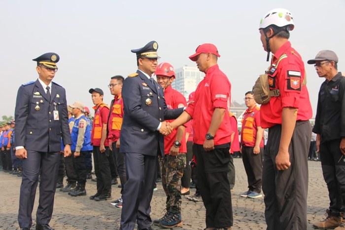 Peduli Kabut Asap, Gubernur Anies Lepas Keberangkatan 65 Orang Satgas Karhutla Ke Provinsi Riau