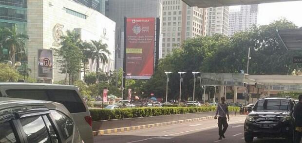 Baru 2 Hari Ditertibkan, Reklame Ilegal di Grand Indonesia Tayang Lagi