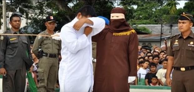 Pertama Kali, Penganut Buddha di Aceh Dihukum Cambuk