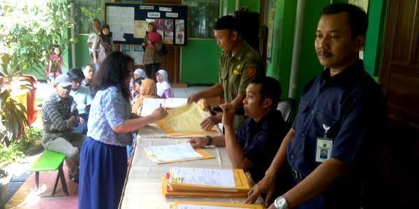 DKI Buka Peluang Besar Warga Miskin Masuk Sekolah Negeri