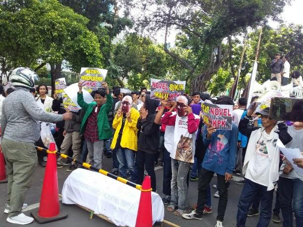 Diduga Ikut Berpolitik, KOMPAN Desak KPK Ganti Novel Baswedan