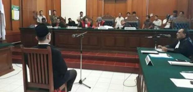 PN Jakpus Vonis Bebas Ustad Alfan Tanjung