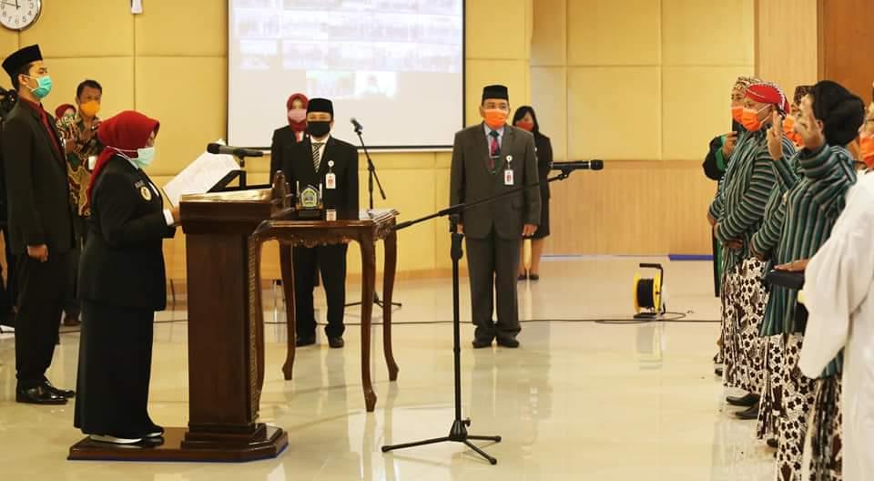 Istimewa, Lurah Gunung Kidul Dilantik Sultan Untuk Jaga Tanah Desa