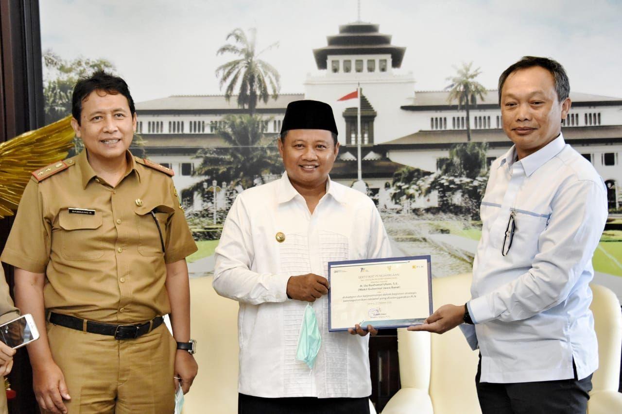 Gara-gara Kawat Layangan, Kang UU Sabet Penghargaan