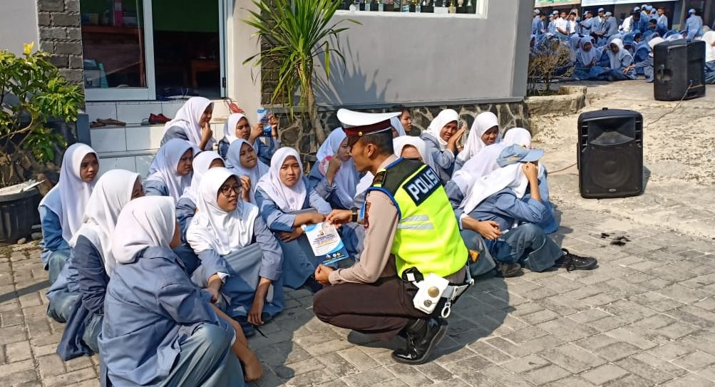 Sosialisasi Tertib Lalu Lintas, Polresta Tangerang Rutinkan Program Police Go To School