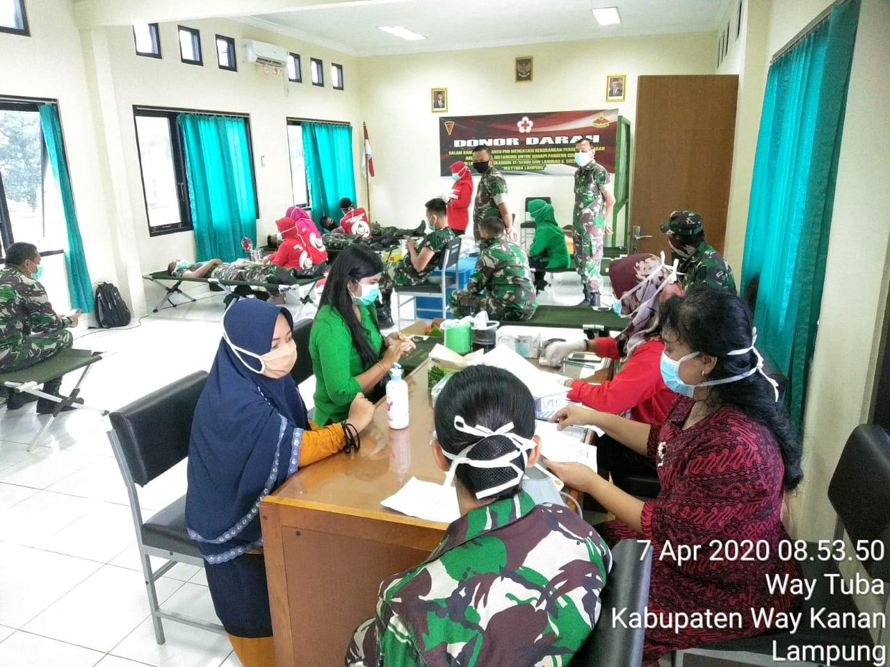 Skadron 12 Serbu dan Lanudad Gatot Subroto Adakan Donor Darah