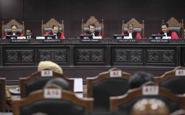 Kepercayaan Masyarakat Pada Pemerintah Menurun, MK Disarankan Proses Gugatan 02