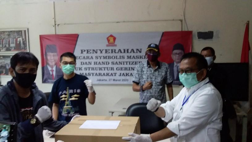 Bantu Tenaga Medis, Gerindra Salurkan APD ke Seluruh RS dan Dua TPU di Ibukota