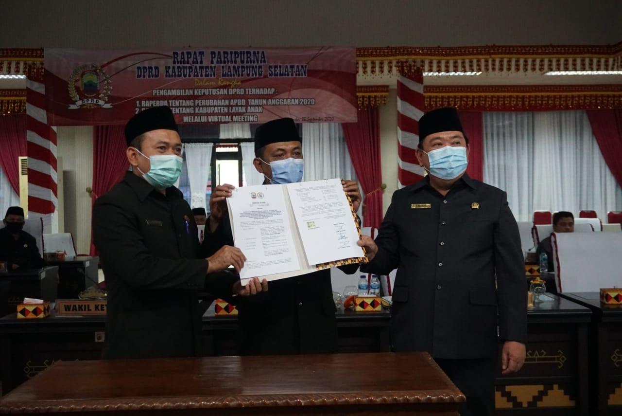 DPRD Kabupaten Lampung Selatan Sahkan Raperda Perubahan APBD 2020