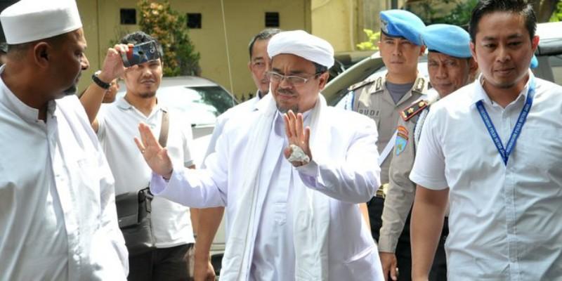 FPI: Habib Rizieq Tolak Temui Jokowi di Mekkah