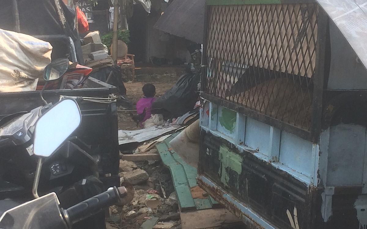 Fenomena 'Kampung Pemulung', Mulai Jadi Pengemis Hingga Pengamen