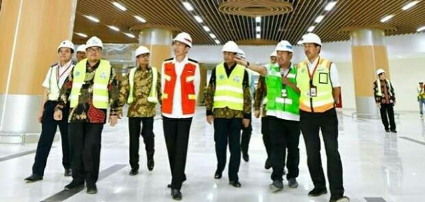 Wow! Postingan Jokowi tentang Kunjungan ke Bandara Kertajati Justru Banjir Pujian untuk Aher