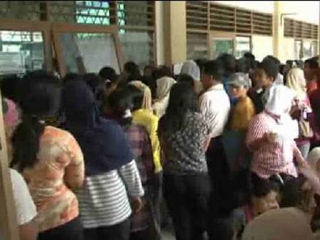 Anies Himbau Wali Murid Tak Perlu Daftar PPDB Kepagian