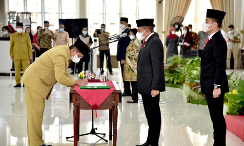 Gubernur Sumut Edy Rahmayadi Lantik 13 Pejabat Eselon II