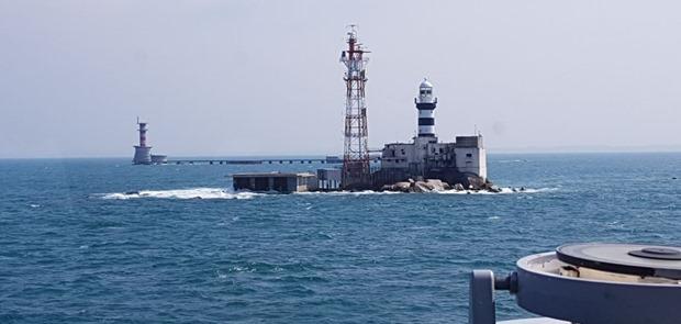 Bakamla RI, Malaysia dan Singapura Lakukan SAR Bersama Terhadap Perahu Terbalik