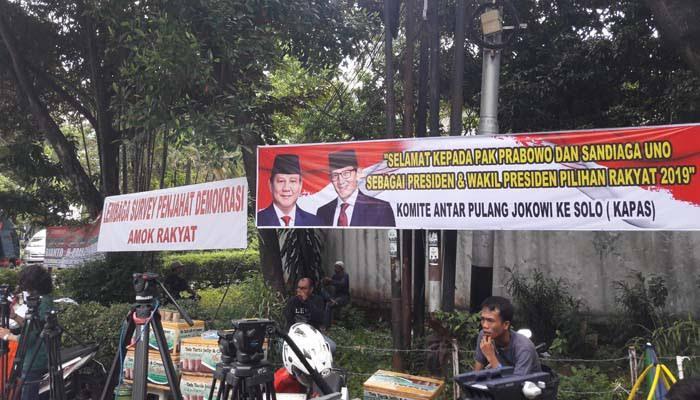 Jelang Keputusan KPU, Spanduk Ucapan Kemenangan Prabowo-Sandi Menjamur