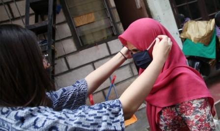 Pemprov DKI, Bagikan Masker Kain Gratis di Tebet