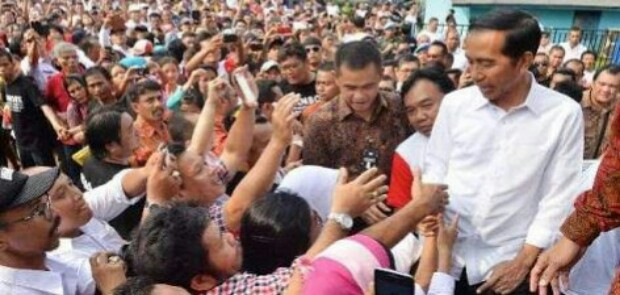 Survei Median: Mayoritas Pemilih Jokowi Berpendidikan Rendah
