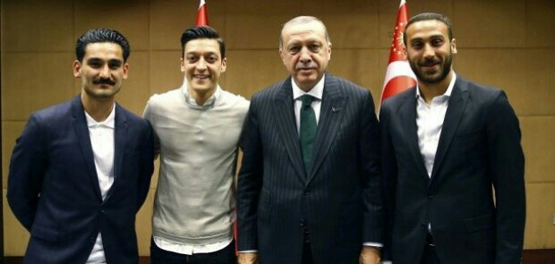 Merasa Didiskriminasi, Mesut Ozil Keluar dari Timnas Jerman