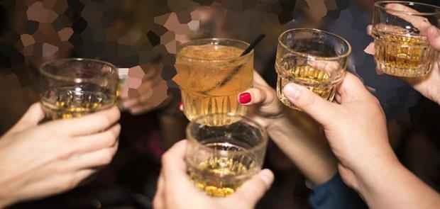 Tenggak Alkohol Pembersih Mesin Pabrik 8 Orang Tewas