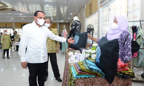 Tingkatkan Produkivitas Perajin, Gubernur Edy Rahmayadi Ingatkan Dekranasda Jalin Kemitraan di Daera...