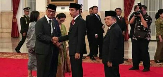 Hanya Dalam Hitungan Jam Setelah Idrus Marham Mundur, Jokowi Lantik Mensos Baru