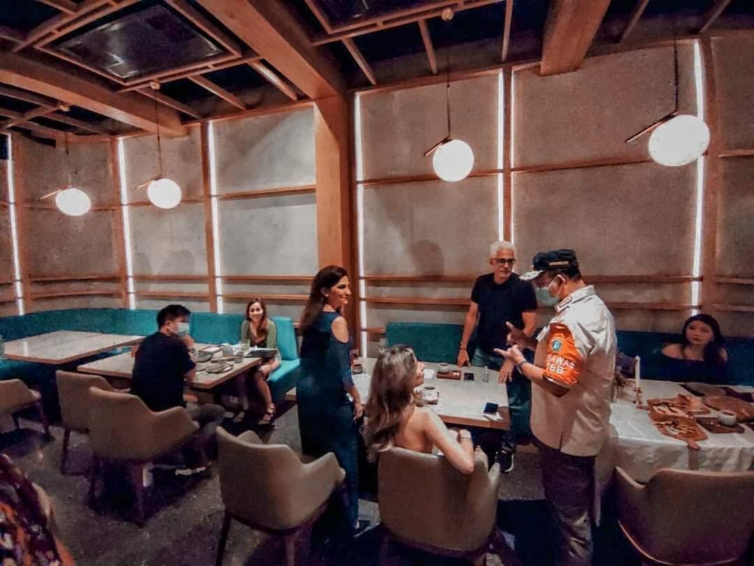 Anies Temukan Langsung Pelanggaran PSBB Di Restoran, Tempat Hiburan Kapan Ditindak?