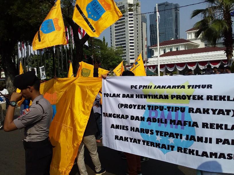 PMII Desak Anies Stop Semua Pembangunan di Pulau Reklamasi