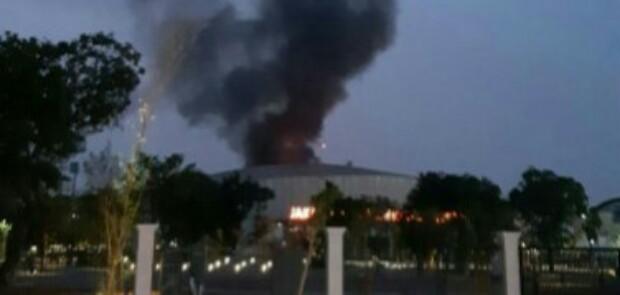 Kawasan Velodrome Rawamangun Terbakar