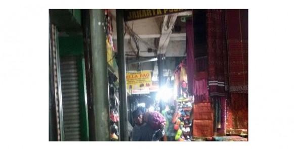 """Pasar Senen Blok VI """"Revitalisasi Tunggu Korban"""""""