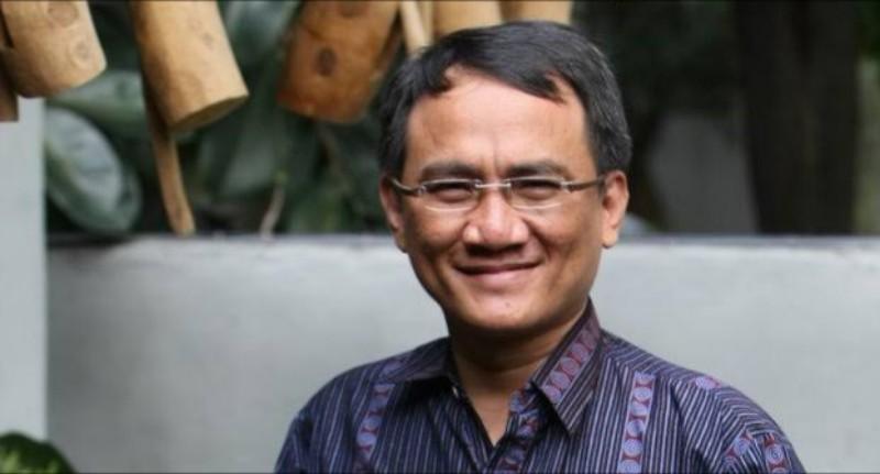 Andi Arief Kritik Penyelenggaraan Apel Pemerintahan Desa oleh Mendagri