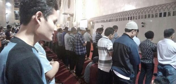 Ratusan Umat Islam Shalat Gerhana Bulan di Masjid Istiqlal