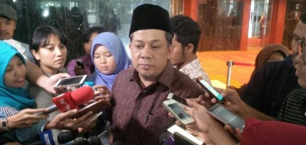 Fahri Hamzah Tantang Pendukung Jokowi Berdebat
