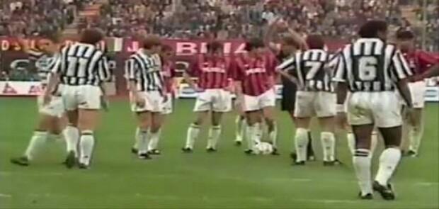Taklukkan Milan 3-1 Juventus Nyaman di Puncak Klasemen
