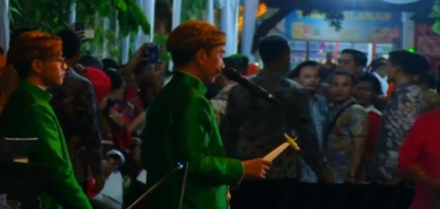 4.000 Relawan Dapat Oleh-Oleh dari Jokowi Usai Acara Midodareni Kahiyang-Bobby