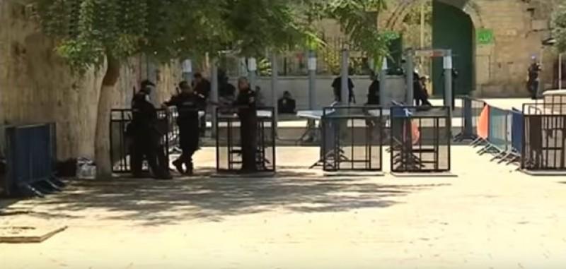 Usai Sholat Isya Polisi Israel Tembak Imam Besar Masjid Al Aqsa