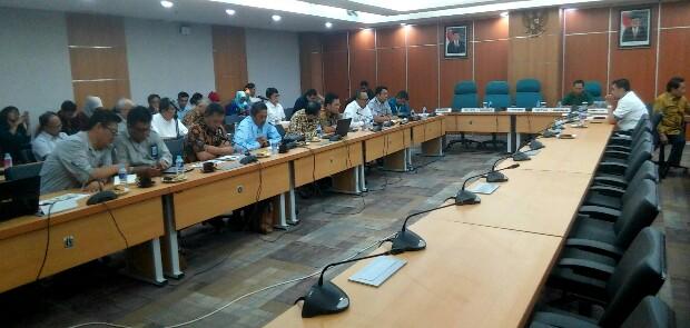 PT WIKA dan Jakpro Diminta Transparan Ungkap Penyebab Ambruknya Beton LRT