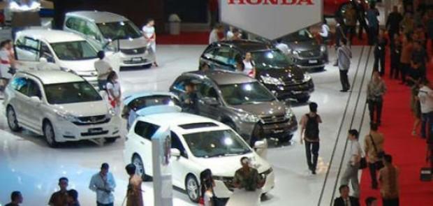 Kondisi Politik dan Ekonomi Pengaruhi Penjualan Mobil Premium
