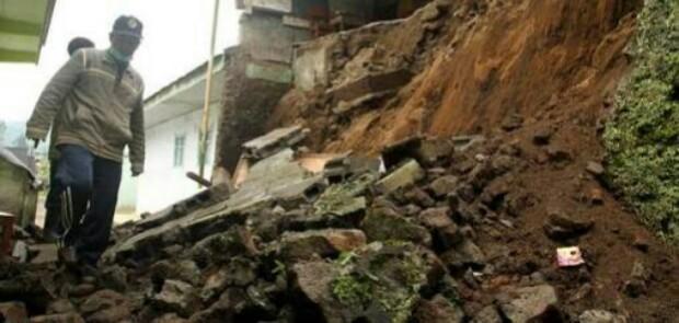 Lombok Diguncang 7 Gempa Susulan di Kisaran 5 SR, Maluku Ikutan Gempa