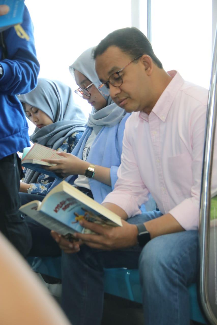 Gubernur Anies Luncurkan #RuangBacaJakarta