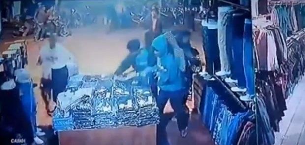 26 Orang ditahan Dalam Penjarahan Toko Pakaian di Depok, 8 dinyatakan Tersangka