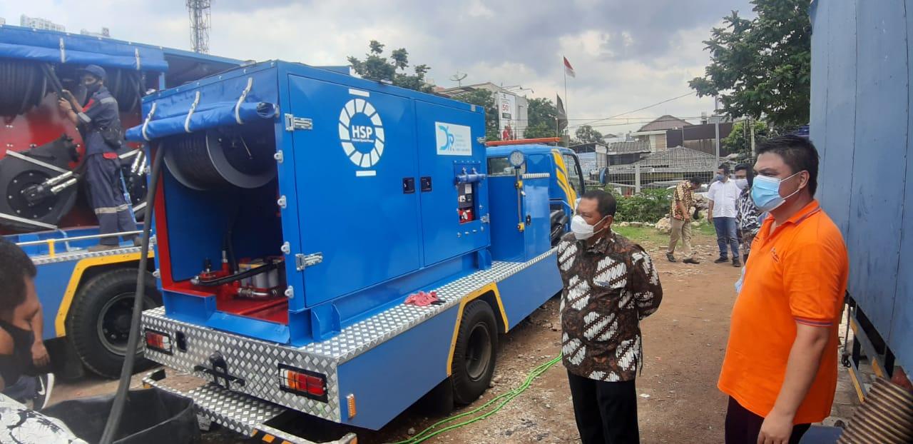 Dinas SDA DKI Uji Pompa Mobile dari Belanda di Kali Asin