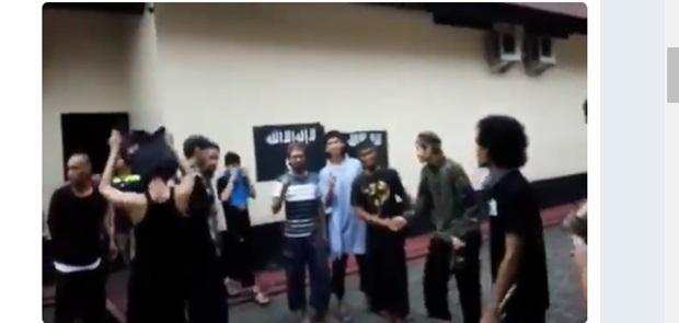 Sipir Diduga Lecehkan Al Qur'an, Rutan Mako Brimob Rusuh