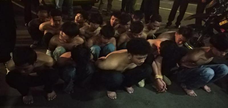Polisi Gulung Puluhan Penjarah Toko Pakaian Fernando di Depok